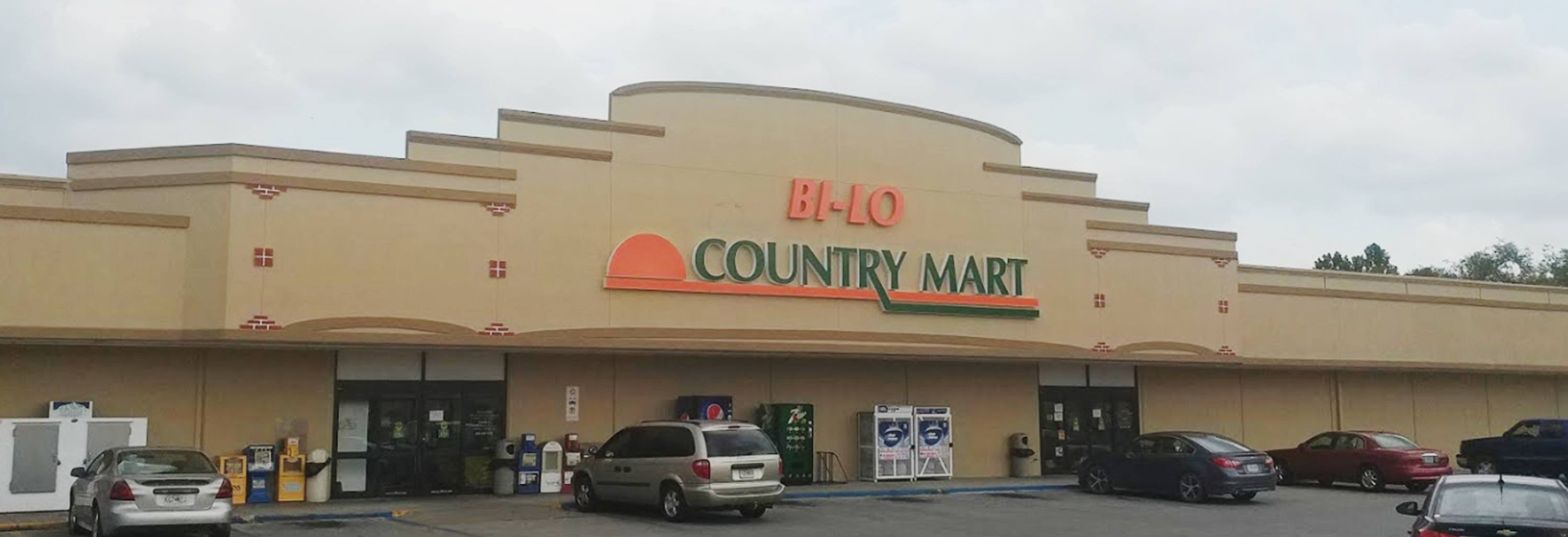 Exterior Store Front - BiLo Country Mart